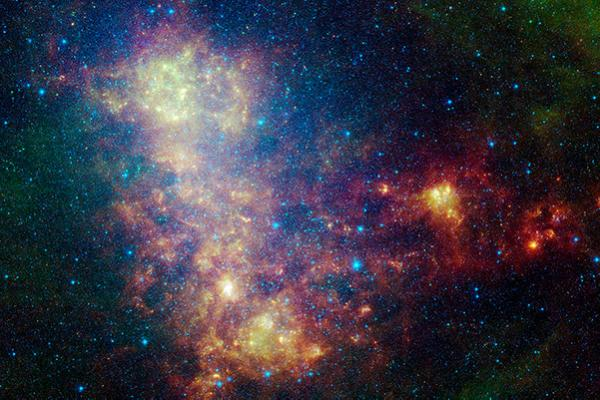 Small Magellanic Cloud from the Spitzer Space Telescope