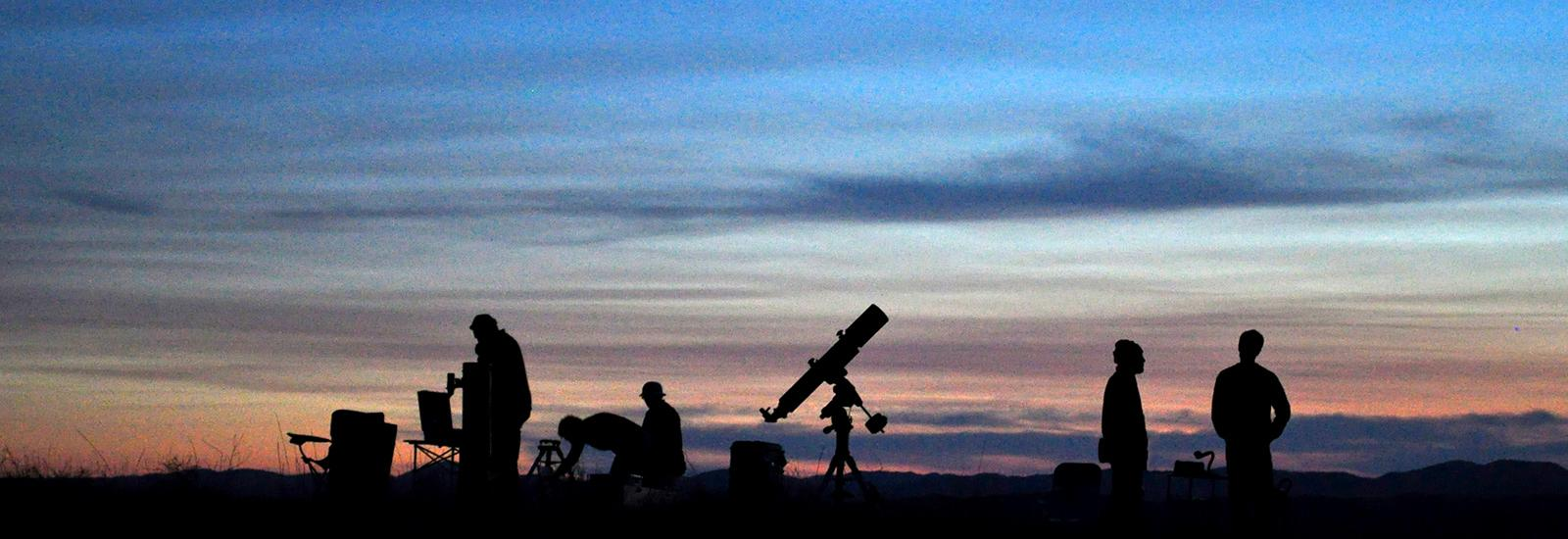 Image of a star party in the black hills. Photo taken by Barb of the Black Hills Astronomical Society